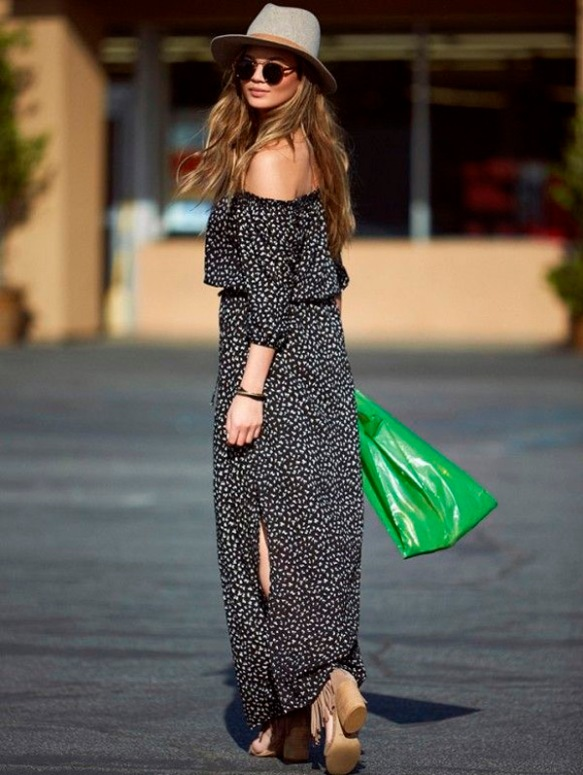 maxi-dress-printed-street-style-heels-hat