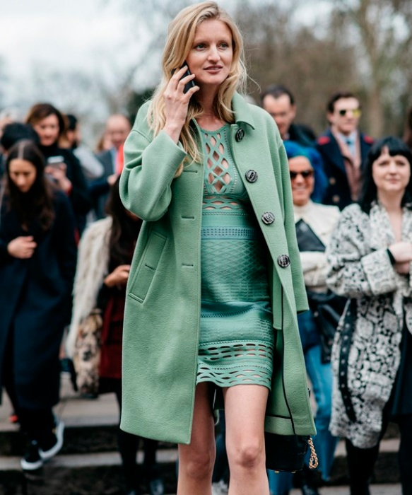 street-style-fashion-week-all-green-dress-coat.jpg